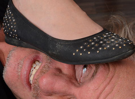 flat shoe trample